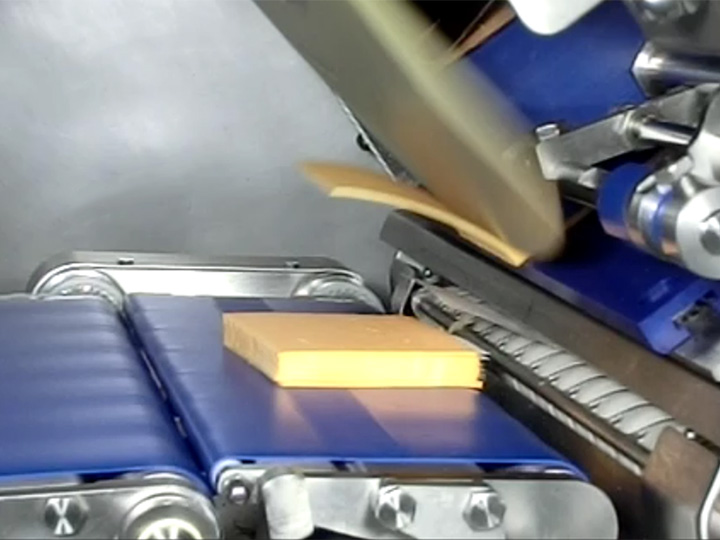CS1000 Slicer Interleaving Cheese